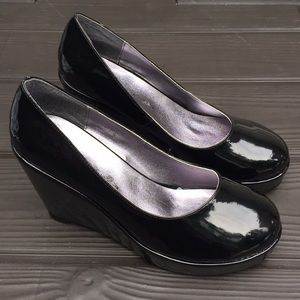 NEW Patent leather stacked platform heels size 9